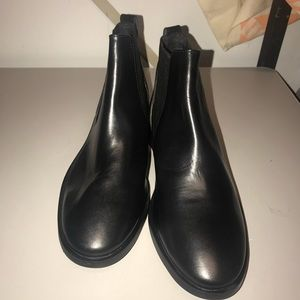TopShop King Leather Chelsea Boots